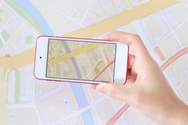 GPSを使って位置情報を検索